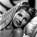 Rita Hayworth - 454 x 567