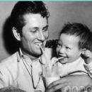 John Blyth Barrymore and dad John Drew Barrymore - 454 x 421