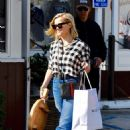 Reese Witherspoon – On her Christmas shopping in Brentwood