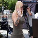 Iggy Azalea on EXTRA TV Live in LA - 454 x 554