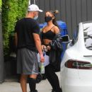 Ariana Grande – Out in Los Angeles