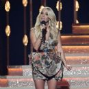 Carrie Underwood – 51st Annual CMA Awards in Nashville - 454 x 761