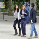 Selena Gomez, Leighton Meester and Katie Cassidy on Set