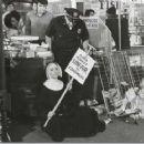 Elvis Presley, Mary Tyler Moore