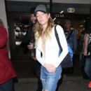 LeAnn Rimes is seen at Los Angeles Airport  LAX March 31, 2017 - 400 x 600
