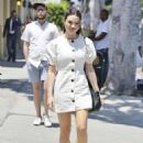 Crystal Reed – Shopping in Los Angeles - 454 x 642