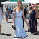 Jennifer Hawkins– Celebrities Attend Oaks Day - 454 x 586