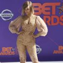 Tyra Banks – 2018 BET Awards in Los Angeles - 454 x 681