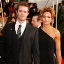 Garret Dillahunt and Michelle Hurd - 425 x 600
