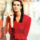 Elle Macpherson - Vogue Magazine Pictorial [United Kingdom] (October 1989) - 454 x 668