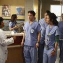 Grey's Anatomy S03E24 - 454 x 325
