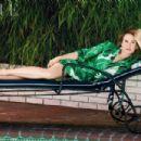 Renée Zellweger - Vogue Magazine Pictorial [United Kingdom] (July 2016) - 454 x 303