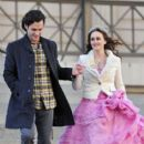 Penn Badgley and Leighton Meester on set of Gossip Girl
