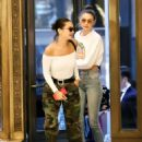 Gigi and Bella Hadid – Out for dinner in NYC - 454 x 628