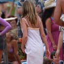 Jennifer Aniston: Hawaiian Hottie in High Demand