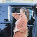 Chrissy Teigen – Arriving to a commercial set in LA - 454 x 675