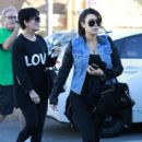 Kim Kardashian: head to the gym for a morning workout and breakfast at Jinky's Cafe in Los Angeles