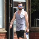 English actor Charlie Cox is spotted working up a sweat after working out in New York City, New York on August 16, 2016 - 389 x 600