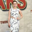 Mae Whitman – Showtime's 'Twin Peaks' Premiere in Los Angeles - 454 x 683