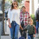Alessandra Ambrosio picks her little boy up from school on January 17, 2017 - 434 x 600