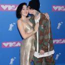 Noah Cyrus – 2018 MTV Video Music Awards in New York City - 454 x 666