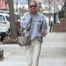Karlie Kloss is spotted out and about in New York City, New York on January 20, 2017 - 403 x 600