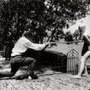 Lotte Tarp, Salvador Dali - 454 x 305