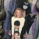 Gene Simmons and Shannon Tweed - 454 x 540