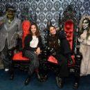 Stella Hudgens – Knott's Scary Farm in LA