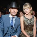 Tim McGraw and Taylor Swift - 385 x 560