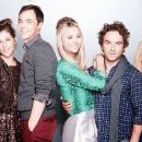Johnny Galecki and Kaley Cuoco - 454 x 260