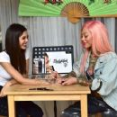 Victoria Justice – Getting a Temporary Tattoo in Los Angeles 04/09/2019 - 454 x 359