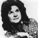 Kitty Wells - 245 x 314