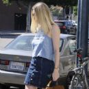 'Please Stand By' actress Dakota Fanning is spotted out and about in Beverly Hills, California on August 17, 2015 - 454 x 586