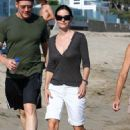 Courteney Cox - Arquette Takes A Stroll On The Beach (June 30 2007)