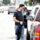 Robert Pattinson Out in LA (March 16, 2015 ) - 418 x 600