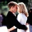 Reese Witherspoon and Ryan Phillippe in Cruel Intentions (1999) - 259 x 350
