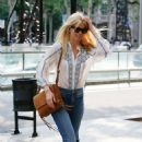Claudia Schiffer – Spotted Out In Barcelona - 454 x 705