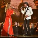 Faith Hill Served Angelina Jolie Level Leg During The CMAs & Her Fans Are Floored