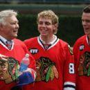 Hockey Great Bobby Hull With Patrick Kane & Jonathan Toews - 454 x 308