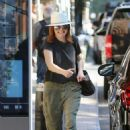 Julianne Moore – Out in New York City - 454 x 659