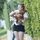 Lena Dunham With Her Dogs in Beverly Hills - 454 x 682