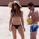 Kate Beckinsale: Mexico Beach Family Fun