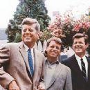 Robert F. Kennedy - 312 x 480