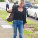 Sophie Monk – Arrives at KIIS FM in Sydney - 454 x 681