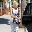 Gwen Stefani – Leaving the Museum Of Ice Cream in Los Angeles - 454 x 641