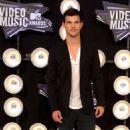 Taylor Lautner: 2011 MTV VMA Hunk