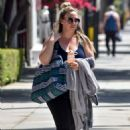 Haylie Duff – Out in Los Angeles - 454 x 657