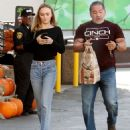Lily Rose Depp – Leaving a LA grocery store - 454 x 518