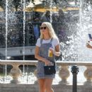 Lottie Moss – Shopping candids at The Grove in LA With Emily Blackwell - 454 x 608